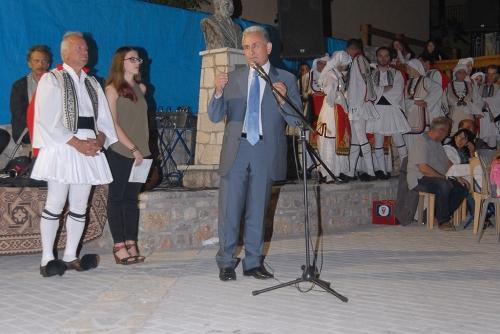 Ο Δήμαρχος Καλαβρύτων κ. Γιώργος Λαζουράς πάντα δίπλα στο χωριό και στο Σύλλογο Λυκουριωτών