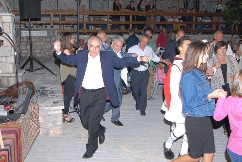 Ο κ. Ηρώδης Μητσόπουλος πάντα αρωγός στην προσπάθεια του χορευτικού μας